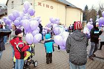 Vypouštění balónků s přáním Ježíškovi v Dolní Dobrouči.
