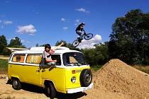 """Ústecký """"BIKE PARK"""" nabízí adrenalinovou zábavu odvážným jezdcům."""