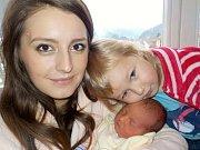 Ema Faltová bude také, jako sestřička Sofinka, těšit rodiče Petru a Michala z Orliček. Na svět přišla s váhou 2810 g dne 5. 1. v 5.12 hodin.