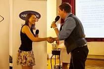 Manželé Vajrauchovi zastoupila Hana Šimková, PR manažerka domova Naděje.