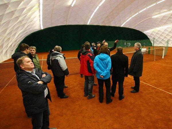 Nová tenisová hala vÚstí nad Orlicí.