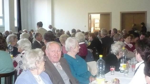 Předvánoční setkání důchodců.