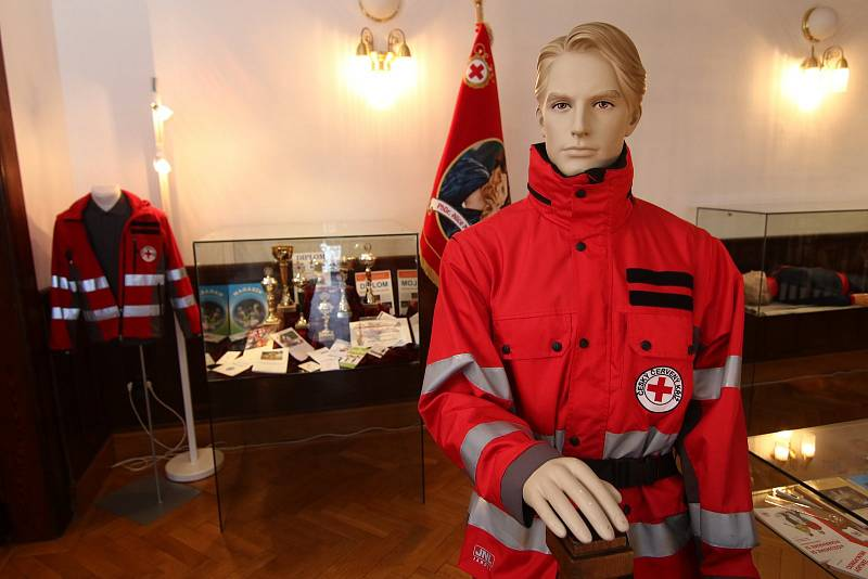 Český červený kříž slaví sto let.