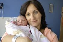 Veronika Mülerová je na světě od 18. srpna od 7.28 hodin, kdy se s hmotností 3,26 kg narodila Janě Kristlové a Josefu Mülerovi z Chocně, kde se na ni těší sestra Terezka.