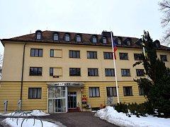 Nová okna, střecha i vikýře. Úřad v Žamberku čeká velká rekonstrukce