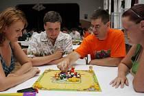 Na GameCon do České Třebové míří opět po roce stovky hráčů deskových her.
