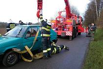 Nehoda nedaleko obce Lanšperk.