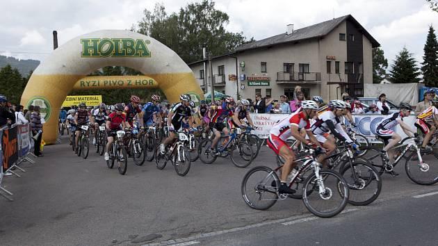 Čtvrtý ročník cyklistického závodu Jeřáb 1003.