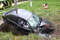Nehoda BMW v Dolní Lipce.