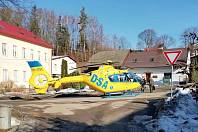 V Bystřeci v pondělí ráno spadl čtyřiapadesátiletý muž z lešení a vážně se zranil..