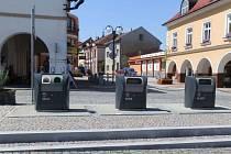Podzemní kontejnery na tříděný odpad na Starém náměstí v České Třebové.