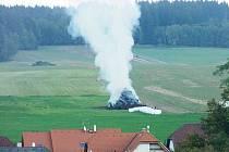 Požár stohu slámy v Libchavách.