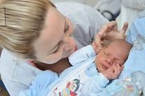 Martin Hájek je první radostí pro Lucii a Marka zÚstí nad Orlicí. Chlapeček se narodil 17. června v8.53 hodin shmotností 3,868 kg.