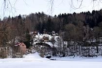 Pastvinská přehrada a její okolí je zajímavým cílem výletů i v zimě.