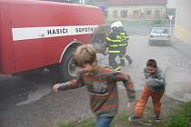 Požární cvičení v sopotnické škole.