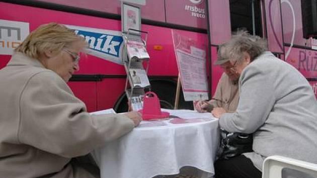 Autobus vozí informace