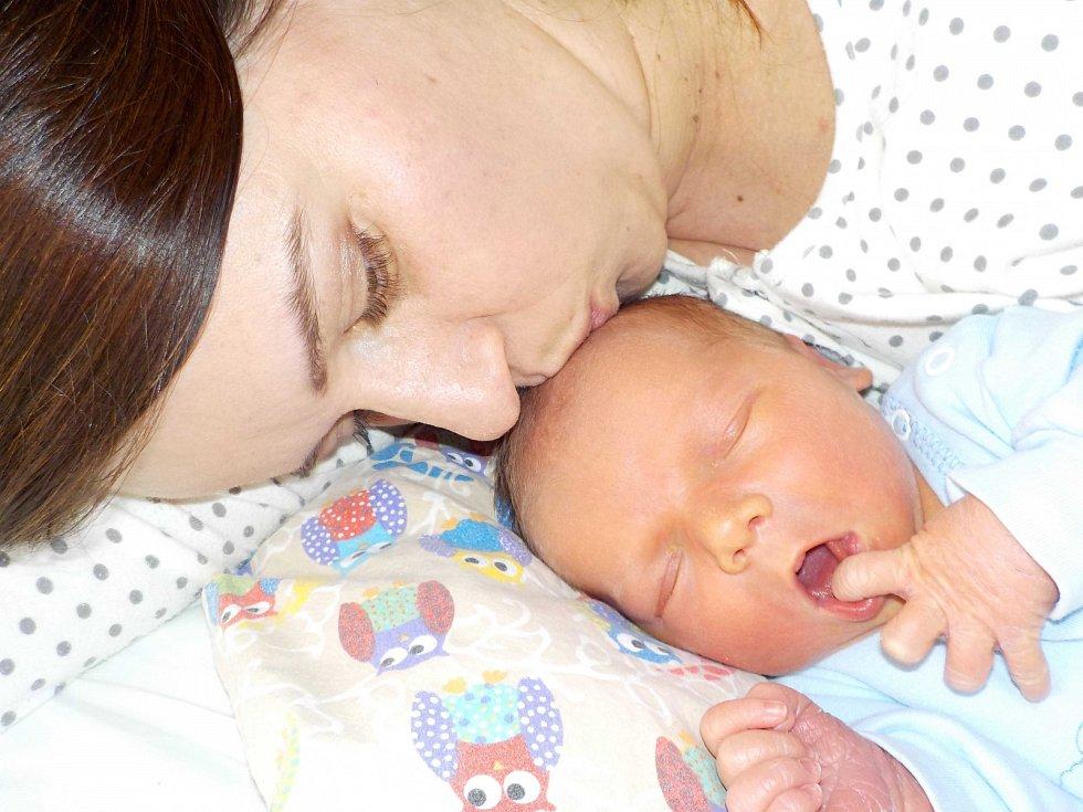 Štěpán Kopčil je prvorozený syn Petry a Romana ze Žamberka. Světlo světa poprvé spatřil dne 6. 4. v 16.30 hodin, kdy vážil 3590 g.