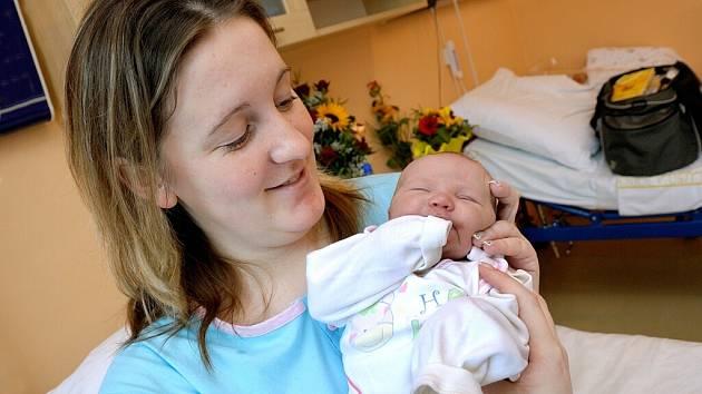 Aneta Vanišova  je první radostí manželů Lenky a Marka Vanišových z Mostku. Narodila se jim 3. března v 11.15 hodin s hmotností 3,35 kg.