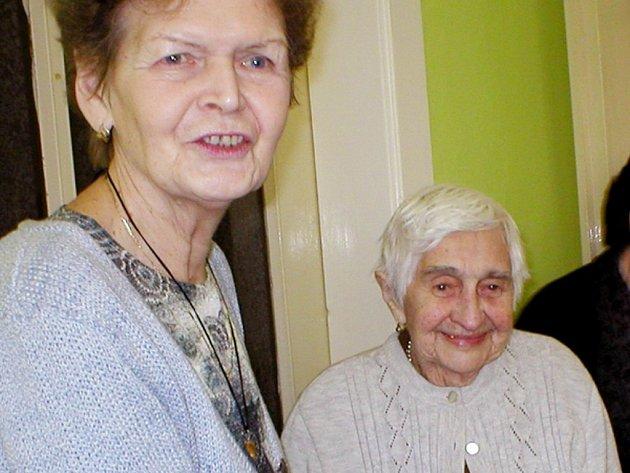 Mezi oceněnými byla také Vlastimila Růžičková ze skupiny ČČK  v Jablonném nad Orlicí, která minulý měsíc oslavila sto let.
