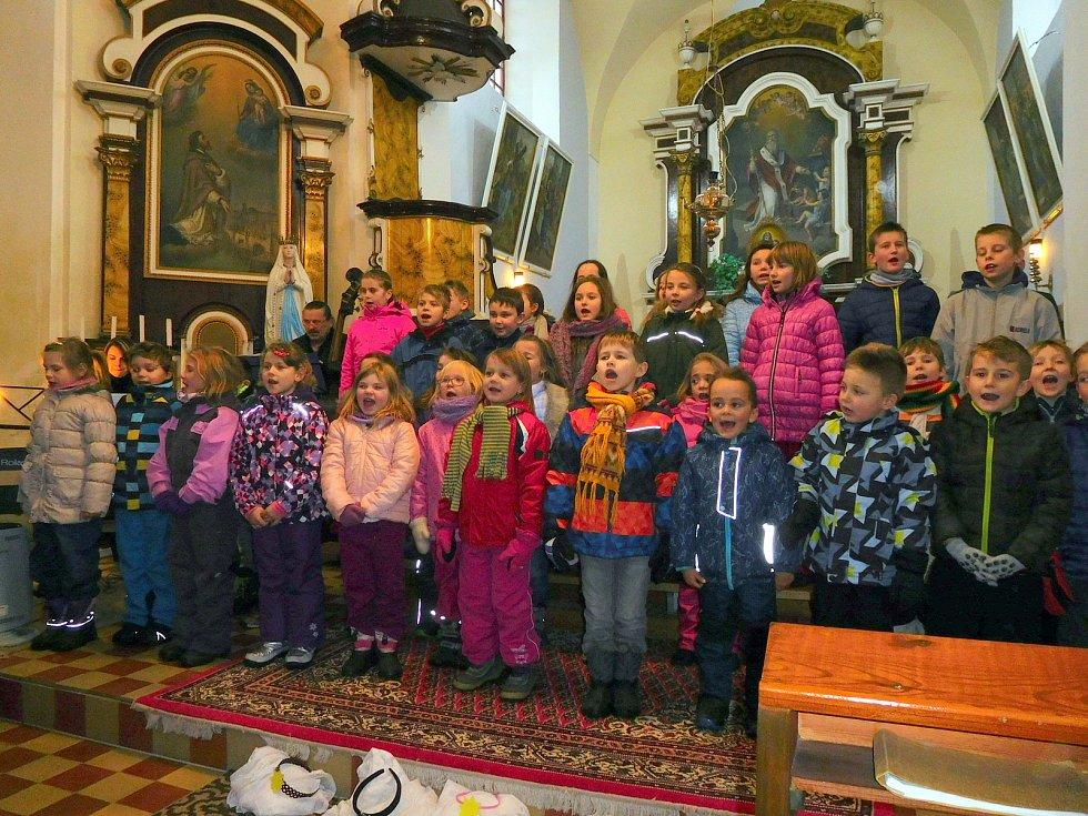 Adventní koncert se konal první adventní víkend vkostele sv. Mikuláše vOstrově u Lanškrouna.