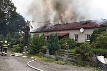 Požár statku v Helvíkově