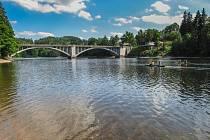Pastvinská přehrada vyzývá k vodním radovánkám