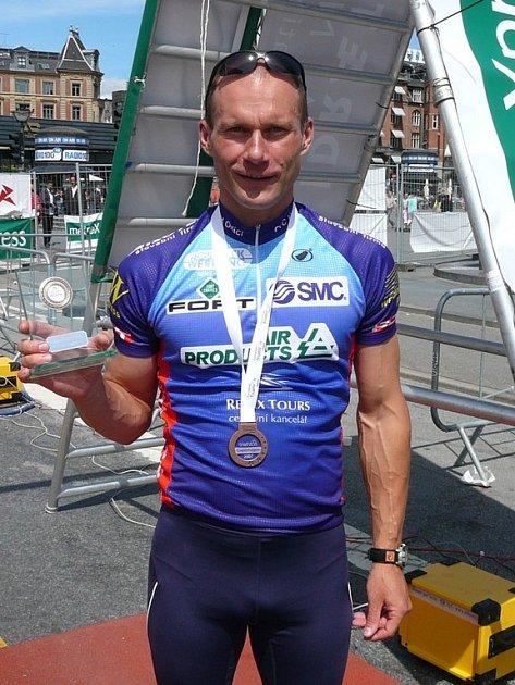 Václav glaser s bronzovou medailí.