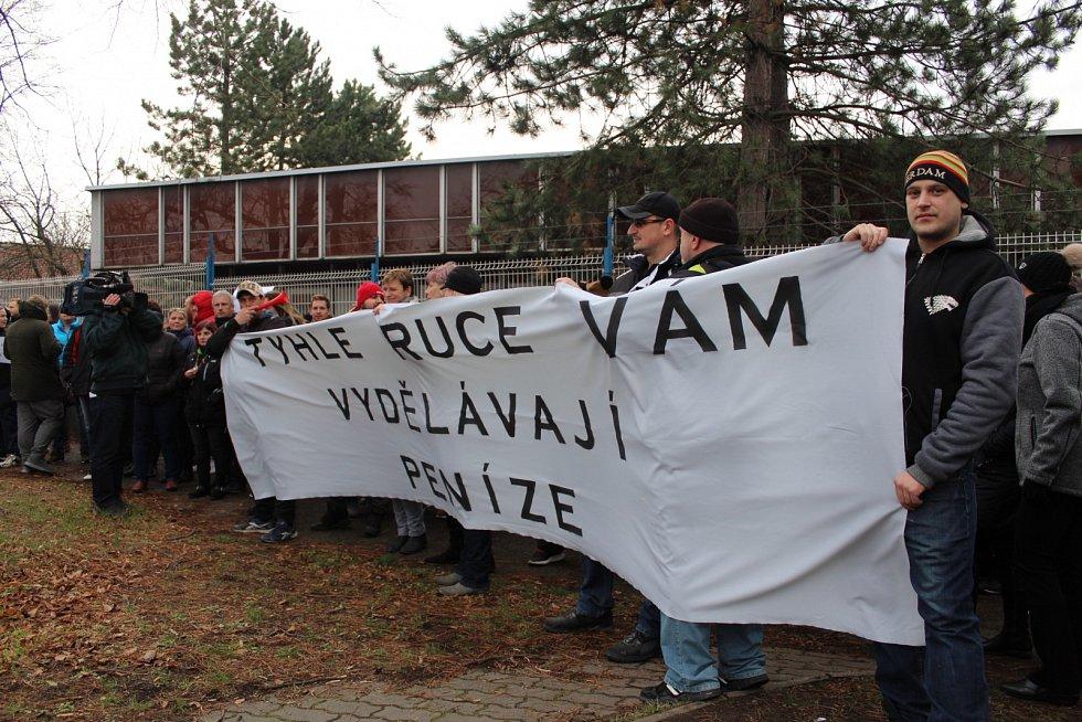 Protesty zaměstnanců Iveca ve Vysokém Mýtě