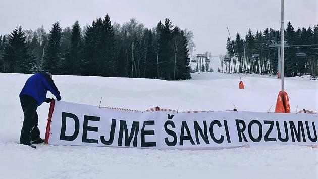 Areál Kraličák přišel s manifestem 12 vět 2021, zasazuje se za co nejrychlejší otevření horských středisek s regulačními opatřeními.