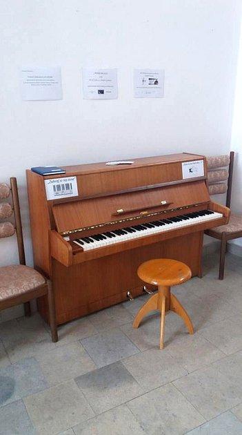 Piano vLanškrouně uobřadní síně.