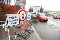 Parkoviště u Orlickoústecké nemocnice je uzavřeno, prochází kompletní rekonstrukcí.