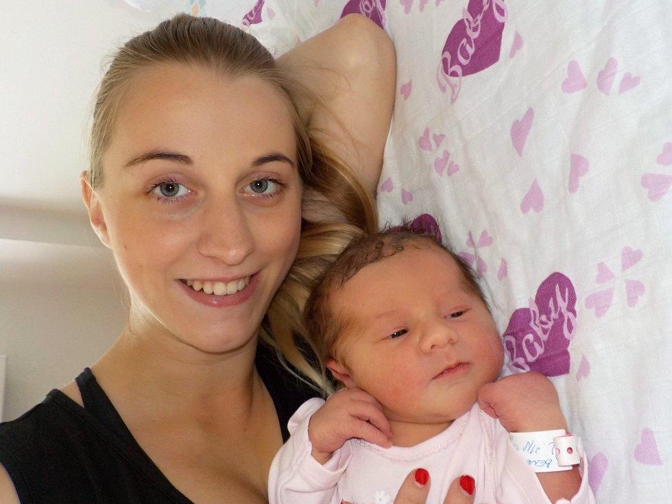 Elen Benešová je prvorozená holčička Lenky a Jaroslava z Ústí nad Orlicí. S váhou 3395 g přišla na svět 21. 8. v 13.00 hodin.