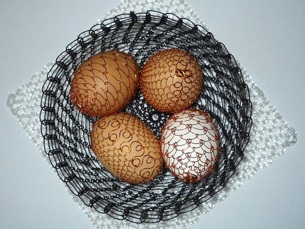 Kastelánka drátuje nejen vajíčka
