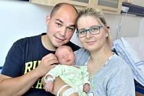 Lukáš Nix dělá radost rodičům Veronice Matějkové a Lukáši Nixovi z Litomyšle. Chlapec se narodil 14. 8.v 17.12, kdy vážil 3,500 kg.