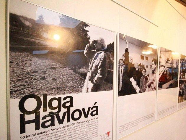Výstava Olga Havlová a Výbor dobré vůle v Ústí nad Orlicí.