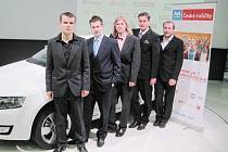 Žáci Střední školy automobilní z Ústí nad Orlicí na soutěži v Mladé Boleslavi.