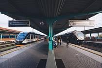 Nové vlaky Leo Express pro Orlicko si prohlédly stovky lidí. Lidé v regionu v nich zaplatí za jízdenky méně.