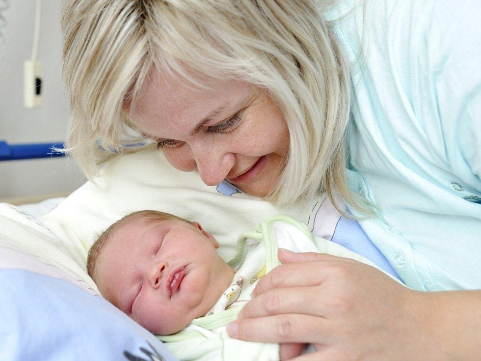 Matouš Pražák je po Adamovi a Adéle dalším dítětem manželů Aleny a Jaroslava z Ústí nad Orlicí. Chlapeček se narodil 30. května v 6.28 hodin s hmotností 3,9 kg.