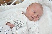 Štěpán Ač, tak pojmenovali syna Zuzana a Martin z Českých Heřmanic. Chlapec se narodil 17. 4. v 18.46 hodin, vážil 2,410 kg a doma se na něj těší bráškové Kryštůfek a Prokůpek.