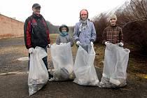 V Ústí nad Orlicí uklízelo přes 40 dobrovolníků.