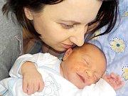 Adam Knápek je prvorozený syn Lucie a Filipa z Lukové. Světlo světa poprvé spatřil dne 13. 4. v 8.19 hodin, kdy vážil 3170 g.