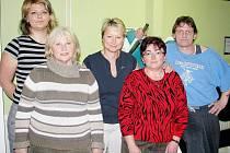 Na snímku jsou (zleva) Hana Hlavová, Alena Demlová, trenérka Iveta Záleská, Zdeňka Fassnerová a Miroslav Resler.
