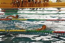 Okresní školní ligy plavecké štafety žáků o putovní pohár krytého plaveckého bazénu.