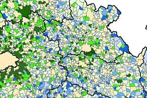 Nejvíce rostou vesnice v okolí Hradce Králové, Pardubic a zvláště Prahy (zelená barva), naopak obce, jež jsou daleko od měst, hlavně u hranic krajů nebo v pohraničí, vymírají (modrá barva).
