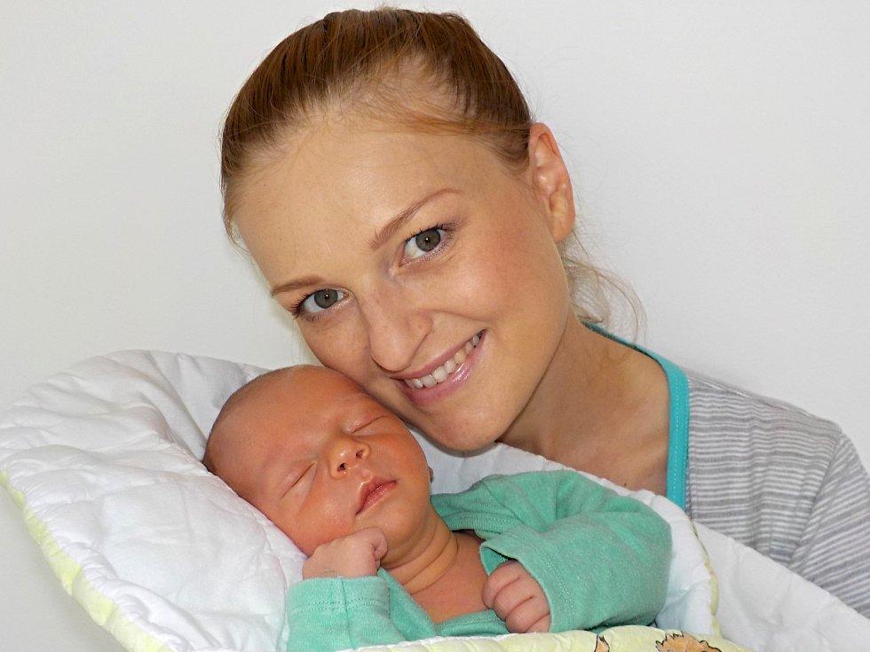 Mikuláš Pavelka je po Matyášovi druhý syn Karolíny a Michala ze Žamberka. S váhou 3700 g se narodil 16. 8. v 7.58 hodin.