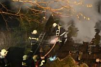 Z požáru domku v Klášterci nad Orlicí.