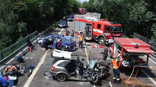 Z tragické nehody v Zámrsku.