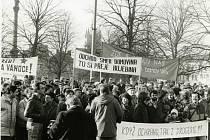 Demonstrace za odchod sovětských vojsk.