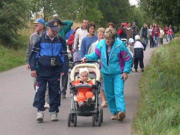 Velká účast i za proměnlivého počasí potvrdila úzký vztah lidí ke 'Kopě'.
