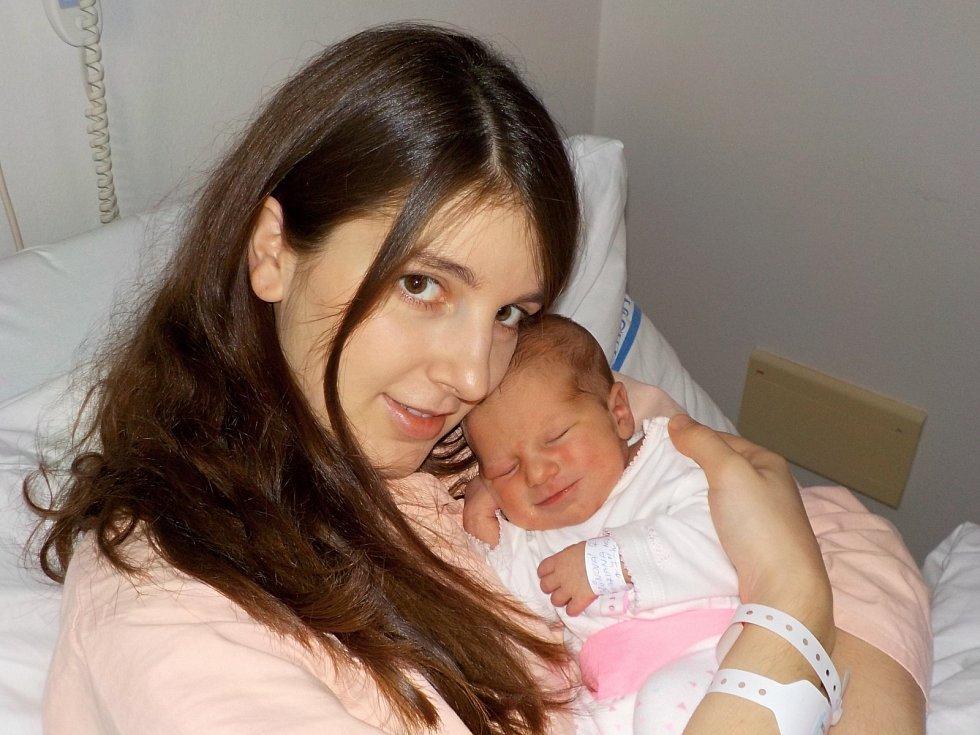 Mariana Brůnová je prvorozenou holčičkou Magdalény a Josefa ze Sloupnice. Na svět přišla dne 22. 12. v 7.00 hodin, kdy vážila 3000 g.